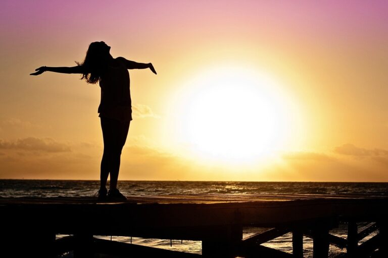 woman, girl, freedom-591576.jpg